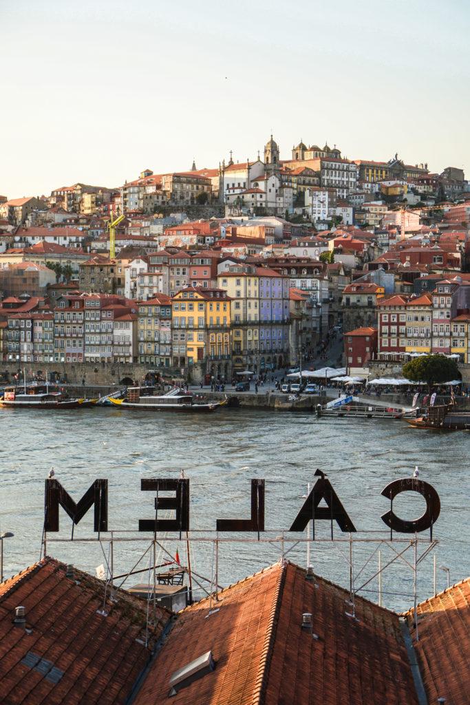 Porto CALEM Blick auf den Duoro und Ribeira