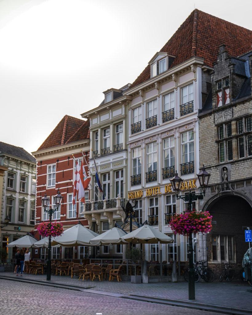 Tipps für ein perfektes Wochenende in Brabant, Bergen Op Zoom, Grote Markt, Marktplatz